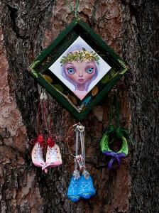 http://thinkspacegallery.com/2013/12/project/show/ana_bagayan_fairybox.jpg